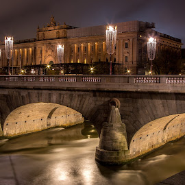 A river run through it by Matt Shell - City,  Street & Park  Historic Districts ( sweden, stockholm, castle, bridge, river )