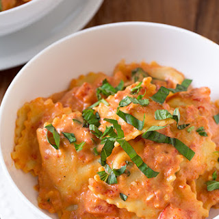 Ravioli with Creamy Sun-dried Tomato and Basil Sauce