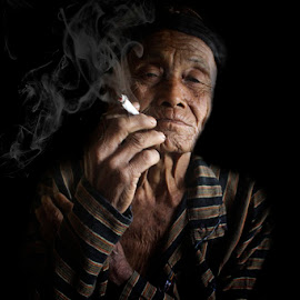 si mbah by Haris Fallin - People Portraits of Men