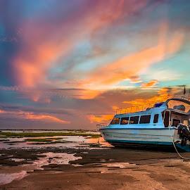 Rest boat by Yossy Ryananta - Transportation Boats ( shore, sand, beach, sunrise, boat )