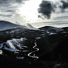 Cairngorm by Jackson Visser - Instagram & Mobile Android ( skiing, scotland, mountains, beautiful, snow, white, river )