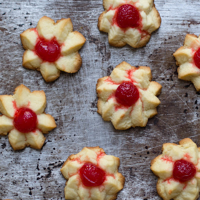 Cherry-Almond Star Cookies