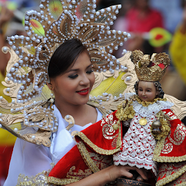 Festival Queen by Ferdinand Ludo - News & Events World Events ( looking at the senior sto nino, sinulog 2014, festival queen,  )