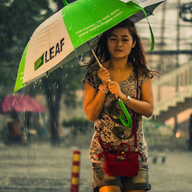 rain by Muhammad Irfan Farooq - People Street & Candids ( water, bangkok, girl, umbrella, rain )