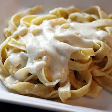 Quick and Easy Alfredo Sauce