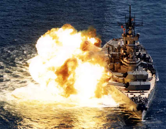 USS%20NEW%20JERSEY%20FIRING%20HER%20BIG%20GUNS.%20%5B2%5D.%20.jpg