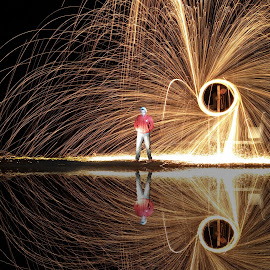 Steel Wool by Rakhmad Riyadi - Instagram & Mobile Android ( night,  )