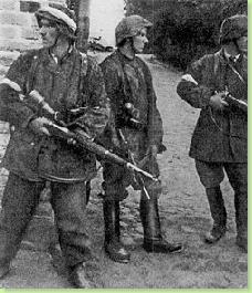 250px-AK-soldiers_Parasol_Regiment_Warsaw_Uprising_1944