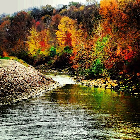Ahh fall weather is just around the corner so pretty :) by Kisha Webb - Landscapes Waterscapes