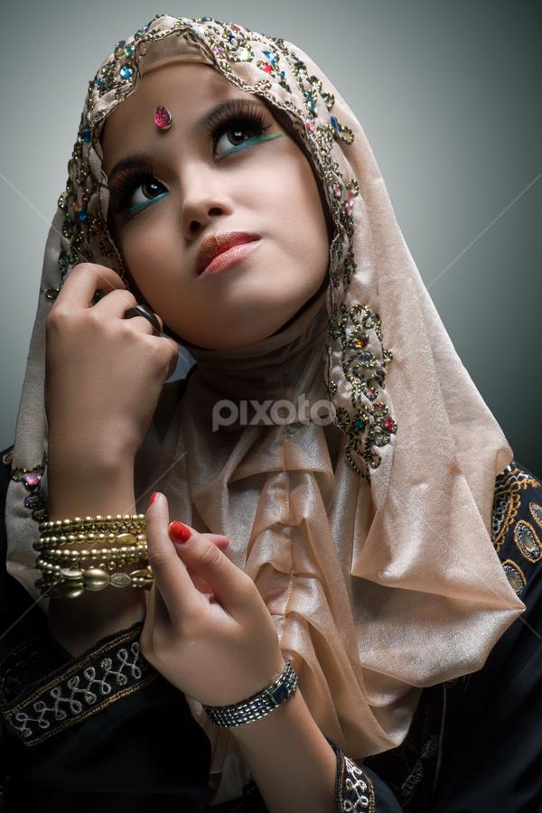 Nia by Nanto 사파이어 - People Portraits of Women ( fashion, jilbab, art, nia, beauty, hijab, portrait )