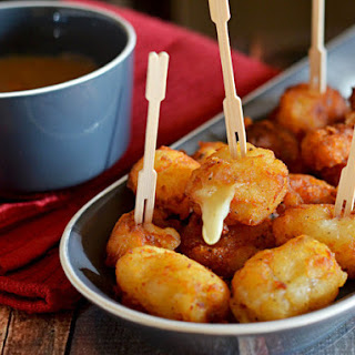 Poutine Poppers (Cheese-Stuffed Potato Bites With Brown Gravy)