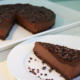Raw Dairy-Free, Gluten-Free Chocolate Cheesecake