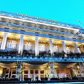 Oldest hotel in Singapore.  by Carez English - Buildings & Architecture Office Buildings & Hotels
