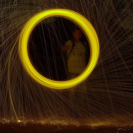 steel wool painting  by Tarak Vandara - Abstract Light Painting ( light painting, steel wool, firework, long exposure, slow shutter, Lighting, moods, mood lighting )