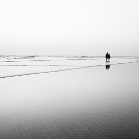 Solace in love. by Parag Katekar - People Couples ( love, peace, sea, photography, dslr )