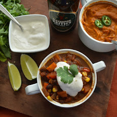 Vegan Beer and Chocolate Chili With Smoky Sofrito Sauce [Vegan]