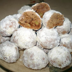 Chocolate Snowball Cookies - Christmas