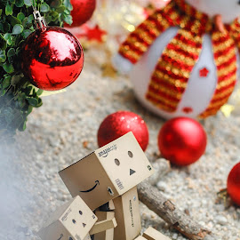Christmas Together by Rye Yunn - Artistic Objects Toys