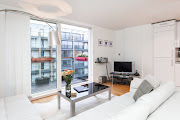 Relaxed Regent three bedroom flat in Hoxton