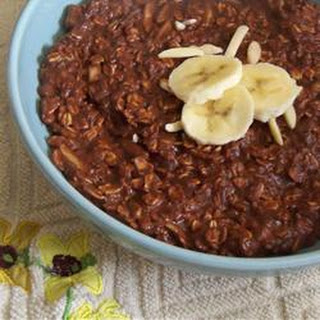 Banana, Chocolate, and Almond Breakfast Oatmeal