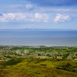 It was an awesome weekend..... @ the edge of Arthurs seat.... :) by Vinit Kuttan - City,  Street & Park  Vistas