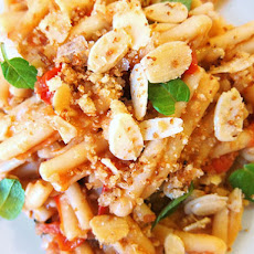 Sicilian Pasta With Swordfish, Fennel, Mint, and Bread Crumbs