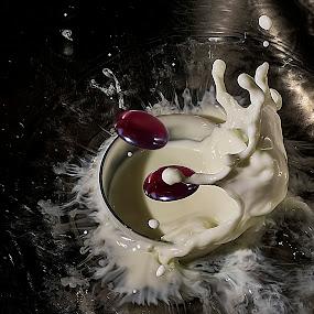 esparramo by Miguel Lopez De Haro - Food & Drink Ingredients ( gotas, leche, leche exposicioncorta, esposicion corta )