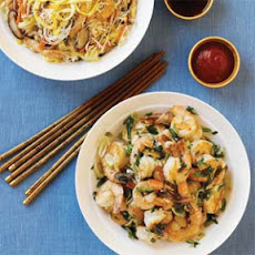 Rice Noodles with Chicken and Vegetables