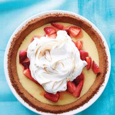 Strawberry-Lemonade Icebox Pie