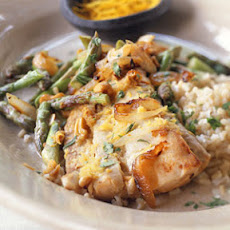 Mahimahi with Asparagus and Cashews