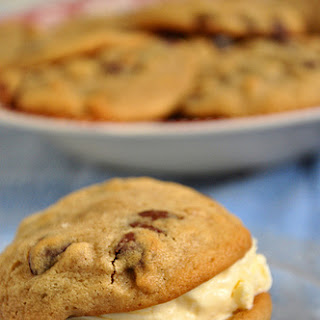 Moist Banana Chocolate Chip Cookies