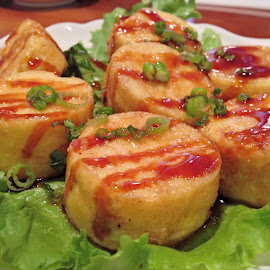 Fried Tofu by Johnnie Ngoon - Food & Drink Plated Food