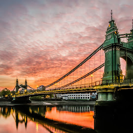 Hammersmith Sunrise by Tom Moors - Buildings & Architecture Bridges & Suspended Structures ( thames, london, hammersmith, sunrise, bridge, river )