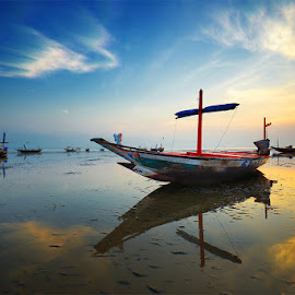 Feel Free by Zainal CZmania - Transportation Boats ( beach, sunrise, boat )