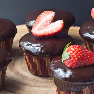 Chocolate-Covered Strawberry Cupcakes