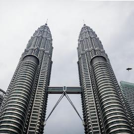 Twins + by Giorgio Ramella - City,  Street & Park  Vistas ( petronas twin towers, towers, skycreaper, malaysia )