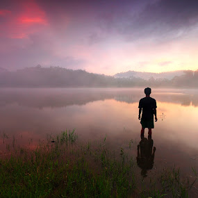Always look on the bright side by Ledon Jasper Samoranos - Landscapes Waterscapes