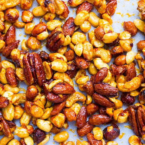 Sriracha & Maple Roasted Mixed Nuts