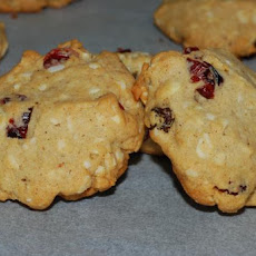 Almond-Raisin-Winter-Cookies