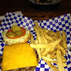 Cheeseburger and fries!