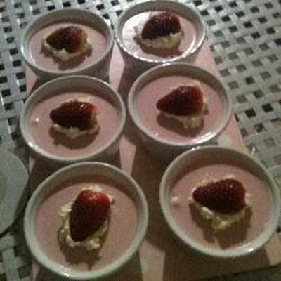 Strawberry Cheesecake Pots