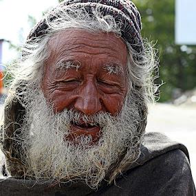 The hope by Fawad Hashmi - People Portraits of Men ( face, old, street, cassel, star, indian, actor, people, hermit, portrait, pakistan, seymourcassel, grunge, life, seymour, beard, senior citizen, men, , Selfie, self shot, self portrait )