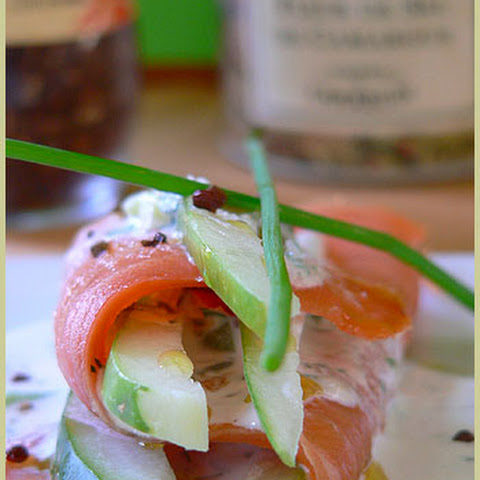 Quail Egg Canapes With Smoked Salmon, Avocado And Pickled Cucumbers ...