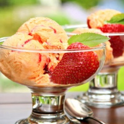 Creamy Mango Ice Cream w/Strawberry Swirl