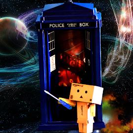 Danbo as Dr Who by Lin Fauke - Illustration Sci Fi & Fantasy ( fantasy, danbo, danboard, screw driver, tardis, space, sci fi, science, dr who,  )