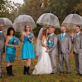Rainy Day Wedding by Melanie Ayers Wells-Photography - Wedding Groups ( adair county, outdoor wedding, kentucky weddings, wedding photography, wedding, rainy day wedding, breeding ky, central kentucky wedding photographer, melanie wells photography )