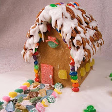Gingerbread House (Mini Gingerbread Houses)
