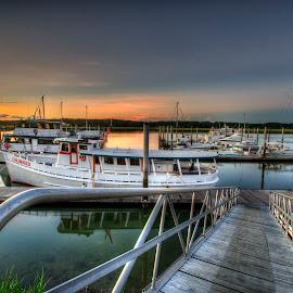 Hilton Head sunrise by Gary Aidekman - Landscapes Sunsets & Sunrises ( hilton head, marina, sunrise, boat, south carolina )
