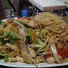 Cashew Chicken Chow Mein (EASY)