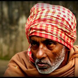 Laxman by Prasanta Das - People Portraits of Men ( hawker, portrait )